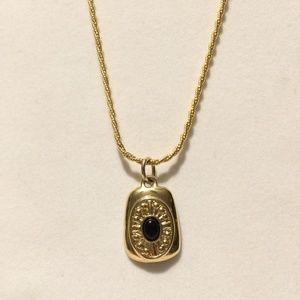 Gorgeous Vintage Gold tone & Black stone necklace